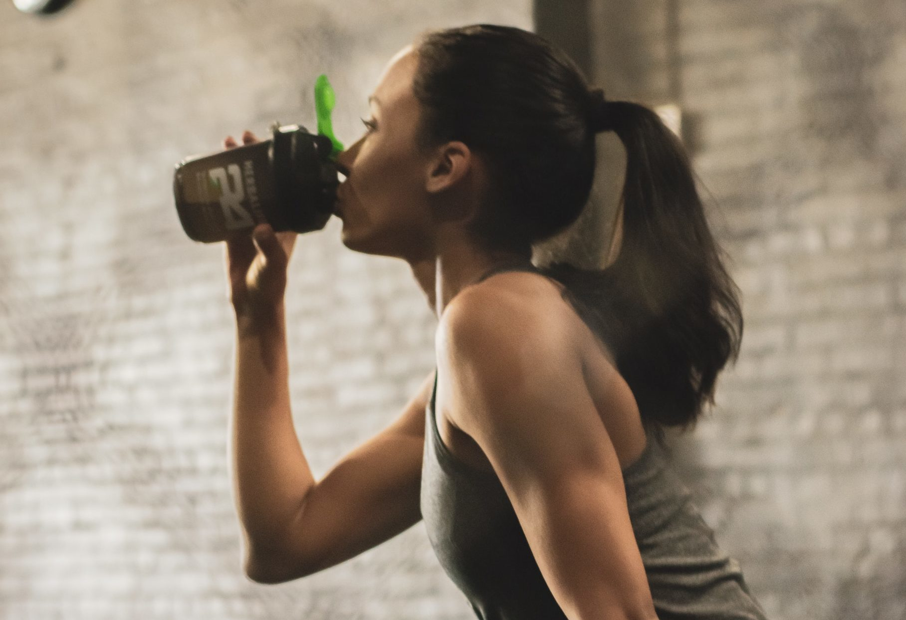 Czy warto pić odżywkę białkową celem zrzucenia kilogramów?